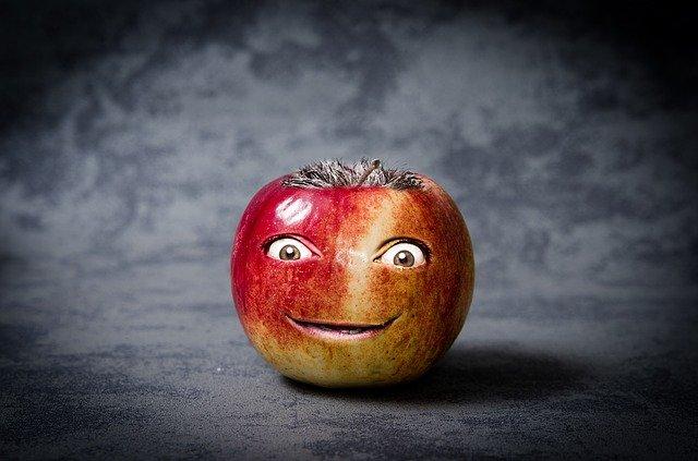 """oživené"" jablko"