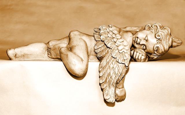 zlatý spiaci anjel